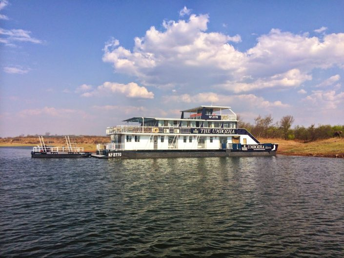 Umbozha - A Lake Kariba houseboat - Zimbabwe
