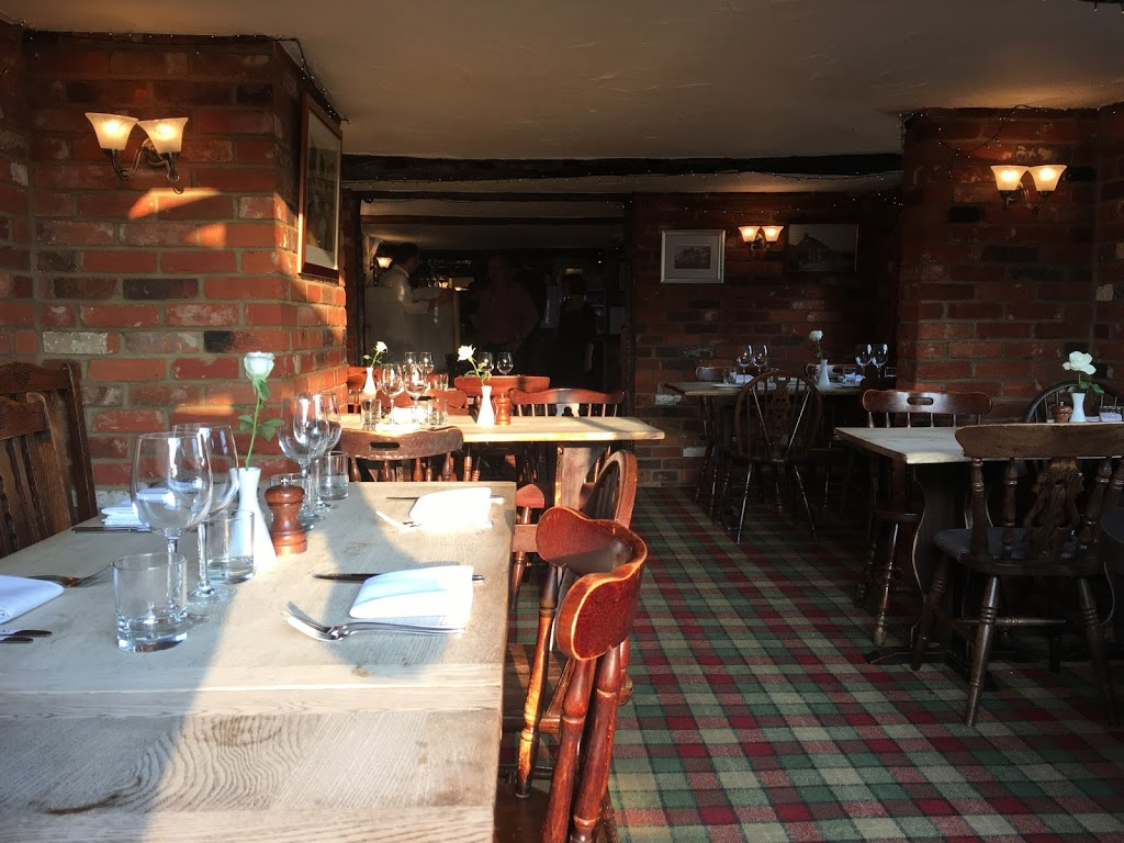 Indoor dining area - Bricklayers Arms, Flaunden