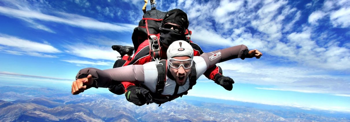 Simon Heyes, skydiving in New Zealand