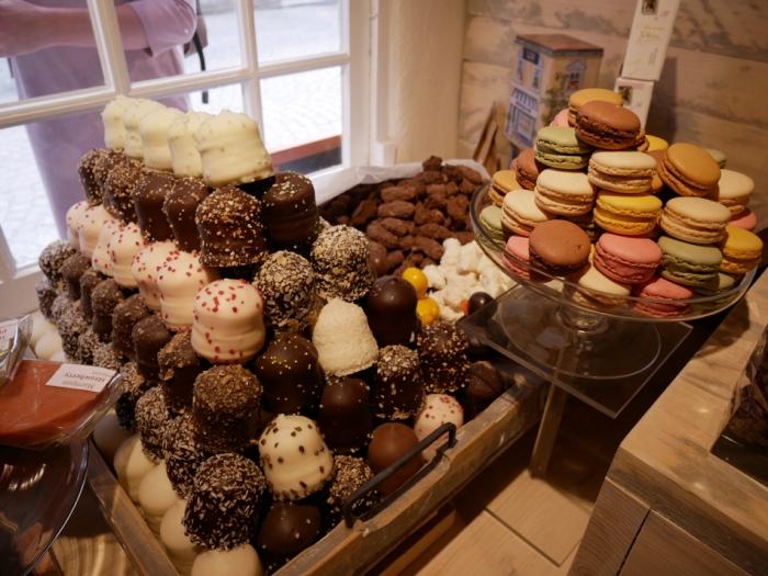 Belgian chocolates - Wijngaardstraat - Bruges