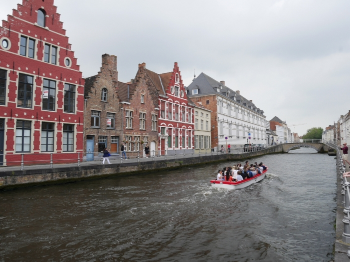 Canal boat rides around Bruges