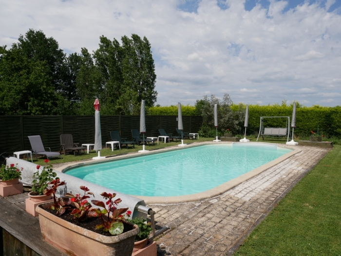 Les Deux Chenes - Loire Valley Farmhouse - Outdoor Swimming Pool