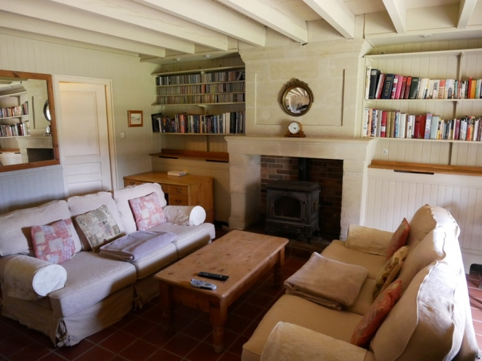 Les Deux Chenes - Loire Valley Farmhouse - TV Lounge