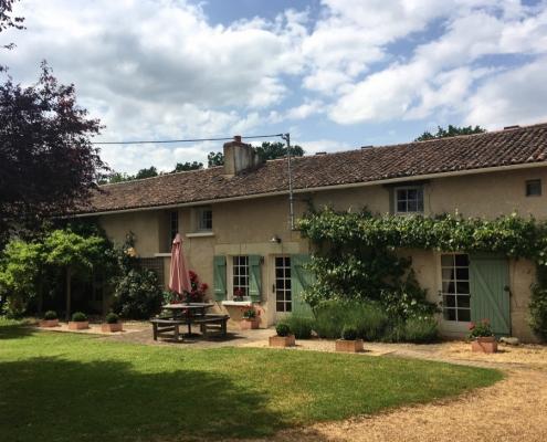 Les Deux Chenes - Loire Valley Farmhouse