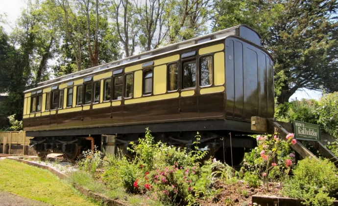 Stay in a train carriage - Cornwall