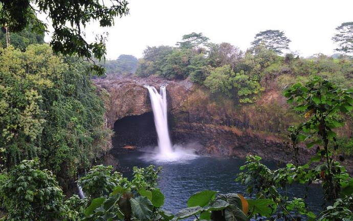 Rainbow Falls waterfall, Hawaii
