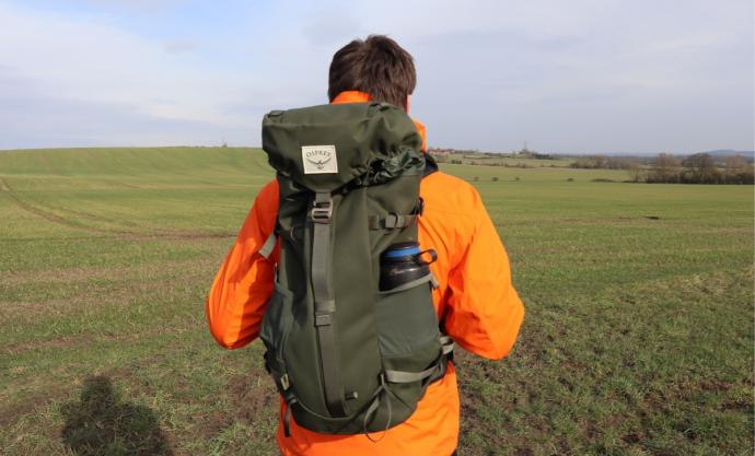 Osprey Archeon 30 - Hiking Outdoors