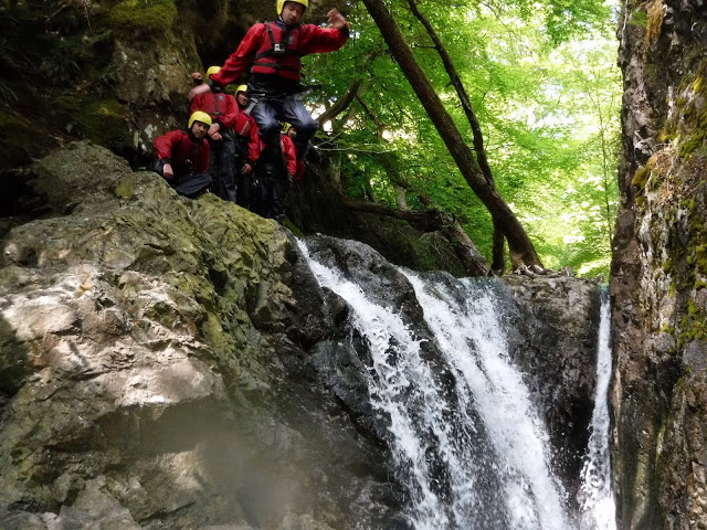 The twist and turn jump - Canyoneering in Coniston