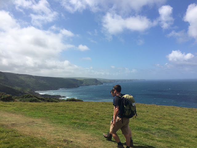 Hiking a long the South West Coast Path in Cornwall