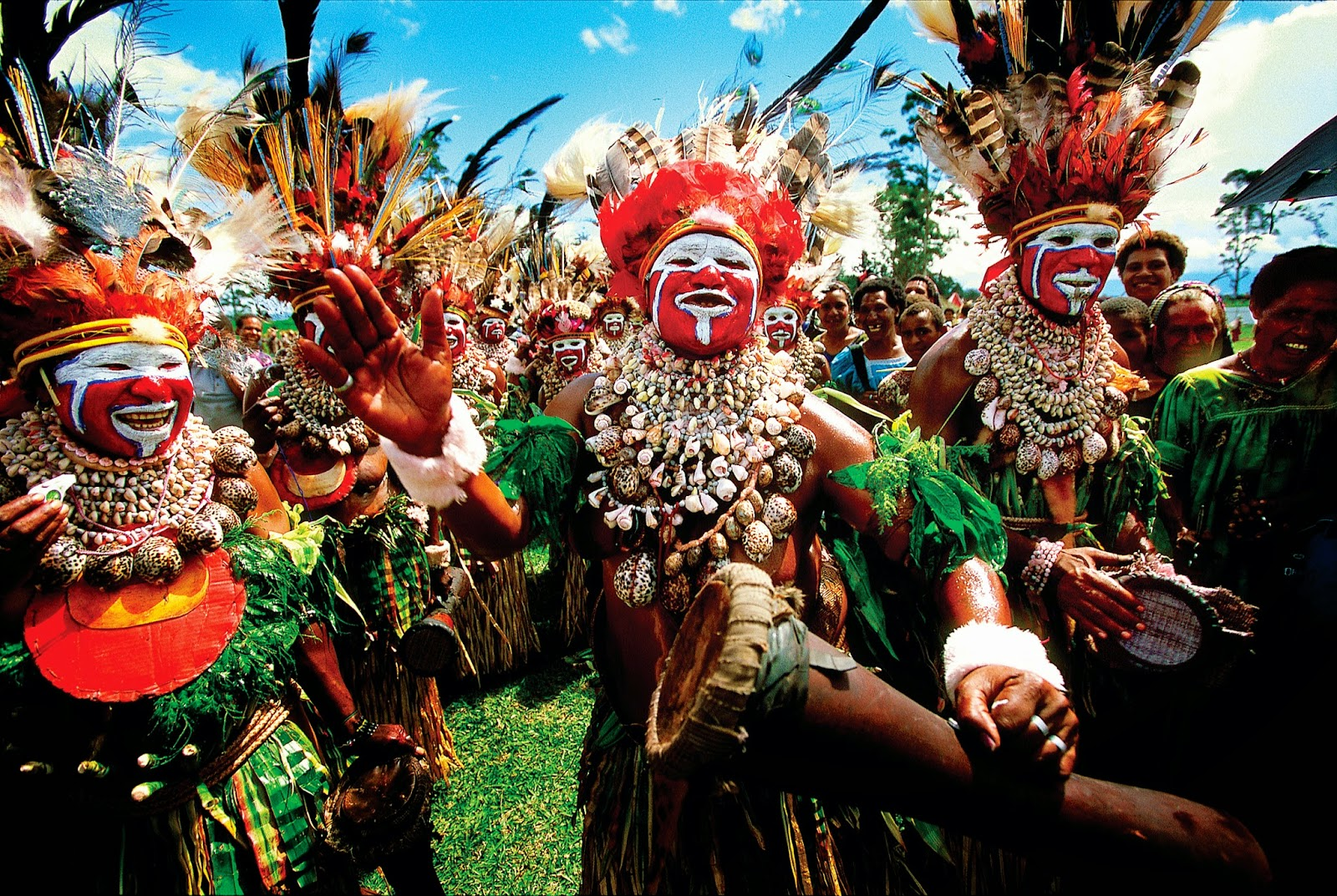 Tribal dancing at the Mount Hagen Show